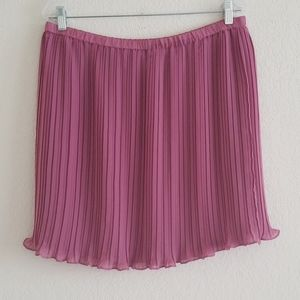 Loft size large mauve skirt pleats elastic waist